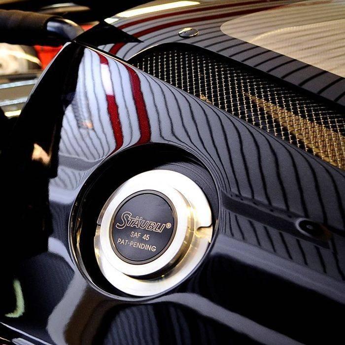 Ferrari Enzo и FXX Михаеля Шумахера выставили на продажу (12 фото)