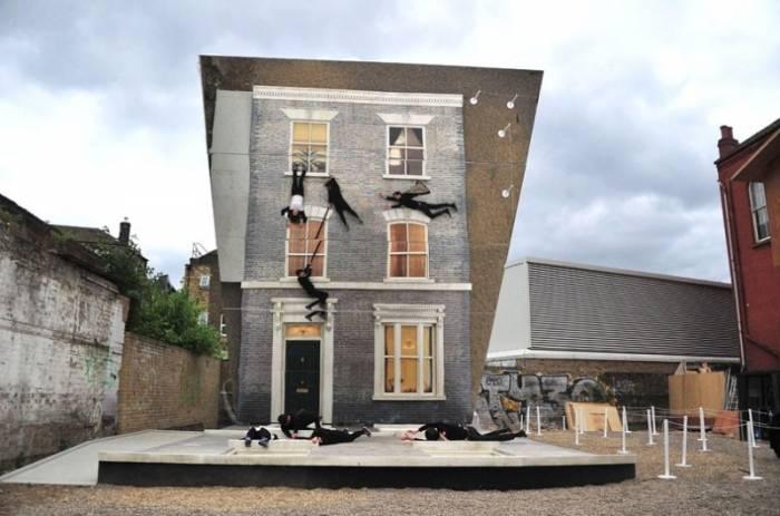 Иллюзорный Викторианский дом в восточной части Лондона (10 фото)
