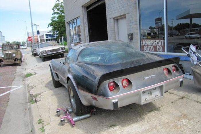 В США нашли заброшенный склад дилера Chevrolet (15 фото)