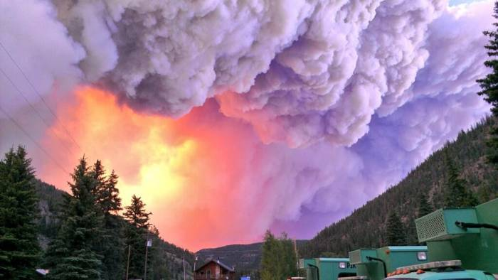 Сильнейшие лесные пожары в Колорадо (7 фото)