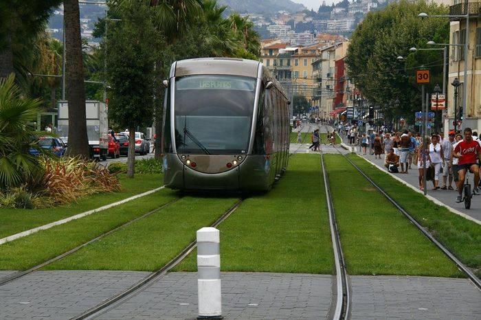 Трамвайные пути в Европе (17 фото)