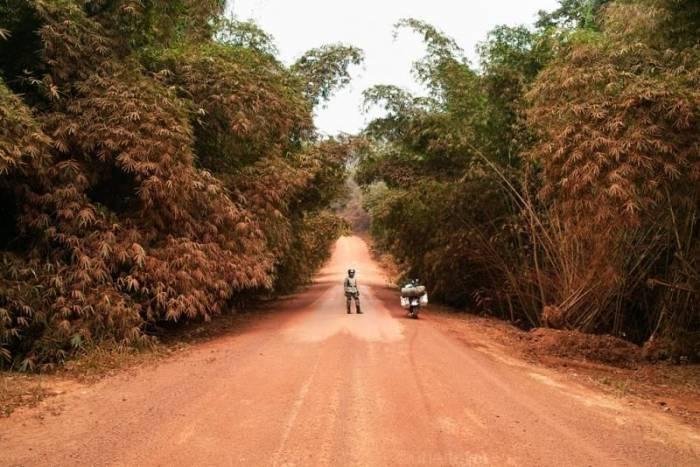 10 стран с самыми плохими дорогами (14 фото)