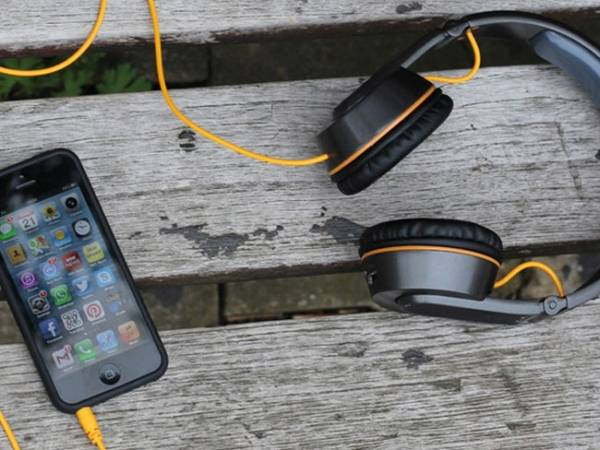 OnBeat Solar Headphones — наушники, которые помогут зарядить телефон