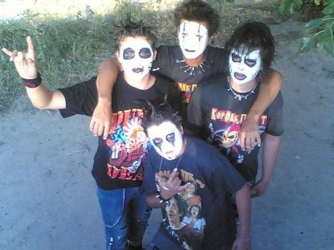 Фанаты группы Кисс (28 фото)