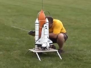 Запуск модели космического шаттла