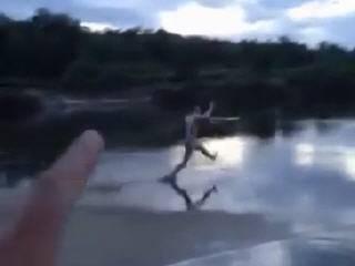 Снежный человек на рыбалке