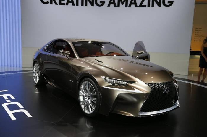 Lexus готовит двухдверное купе на базе седана IS (10 фото)