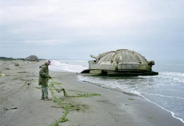 Албанские бункеры (12 фото)