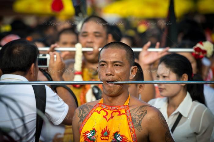 Вегетарианский фестиваль, Пхукет, Таиланд (8 фото)