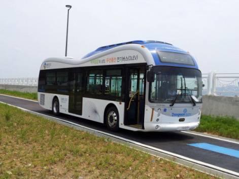 В Корее запущена первая в мире сеть электроавтобусов, получающих питание от самой дороги