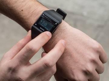 Электронный браслет Basis отслеживает и корректирует привычки владельца