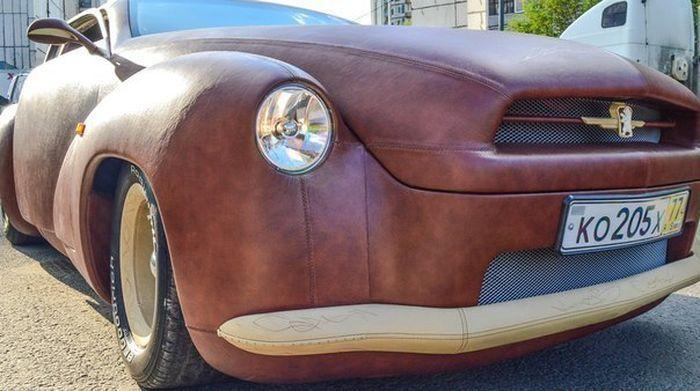 Кожаный автомобиль (10 фото)