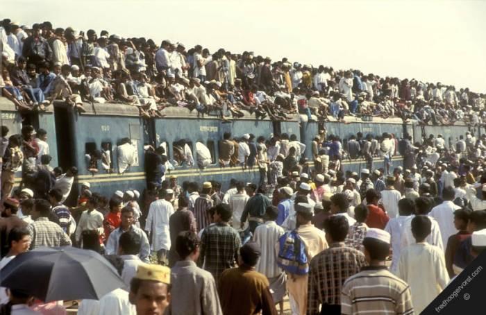 Великая миграция жителей Бангладеш (14 фото)
