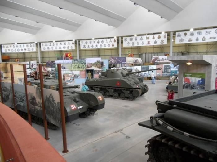 Военный музей танков в Бовингтоне, Великобритания (15 фото)