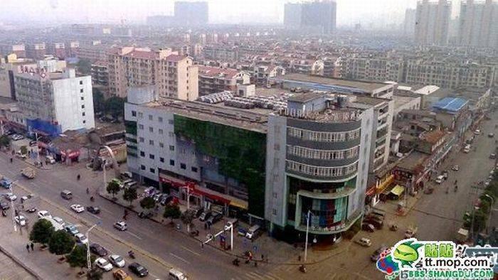 Гараж на крыше (3 фото)