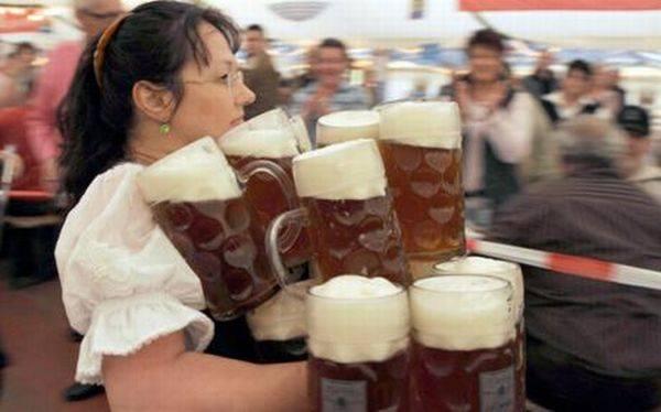 Забавные ситуации с пивом (25 фото)