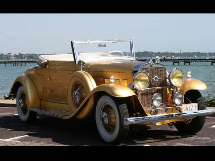 Cadillac 1931 года с позолоченным кузовом уйдет с молотка (10 фото)