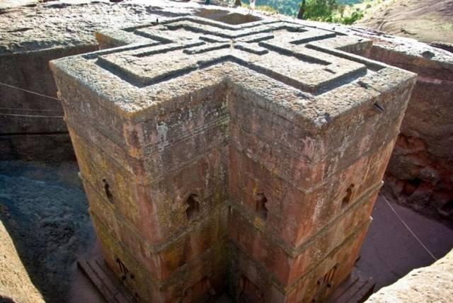 """Таинственные """"Лалибеллы"""" в Эфиопии (44 фото)"""