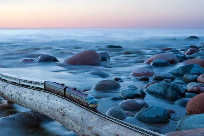Путешествие мини-поезда через Канаду (15 фото)