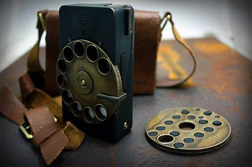 Современный смартфон в стиле стимпанк (7 фото)