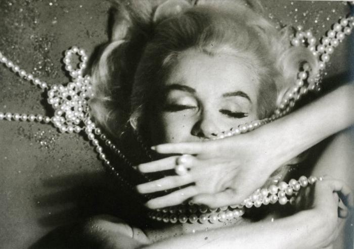 Последняя фотосессия Мерлин Монро (32 фото)