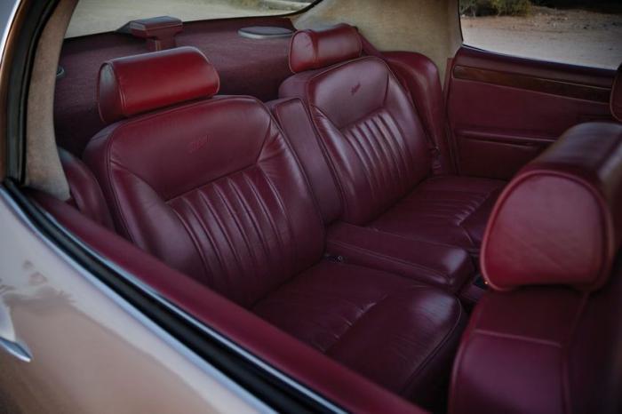 Уникальный Packard Twelve 1999 (21 фото)
