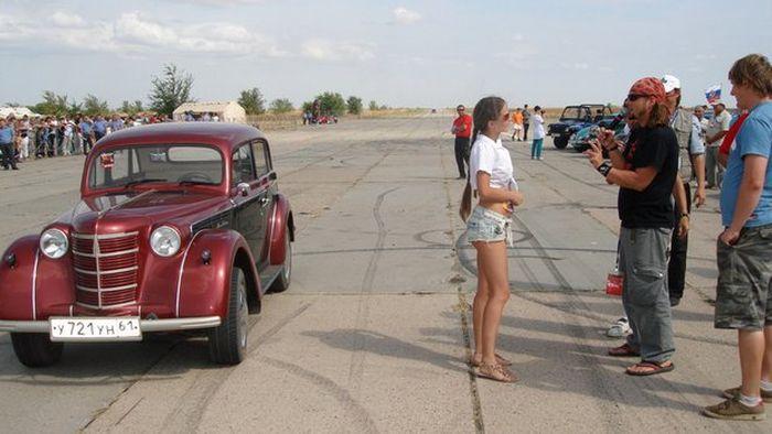 """Москвич-401"" хрупкой девушки Кати (16 фото)"