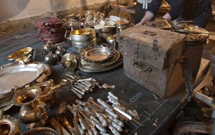 В Санкт-Петербурге были найдены произведений искусства (5 фото)