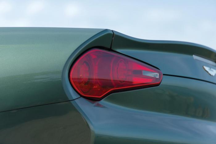 Единственный в мире кабриолет Aston Martin DB9 от Zagatto (15 фото)
