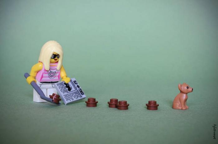 Фотограф создает крошечные жизненные сцены с помощью Lego (20 фото)