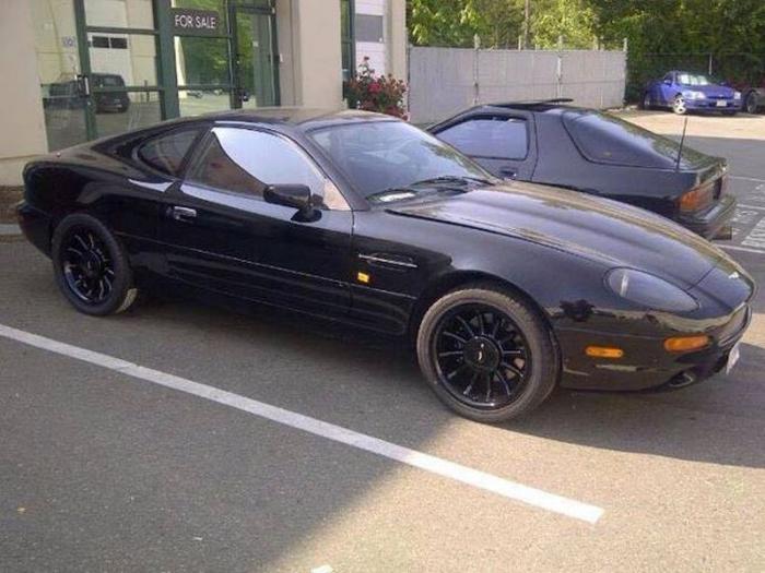 Aston Martin с двигателем от Toyota (5 фото)
