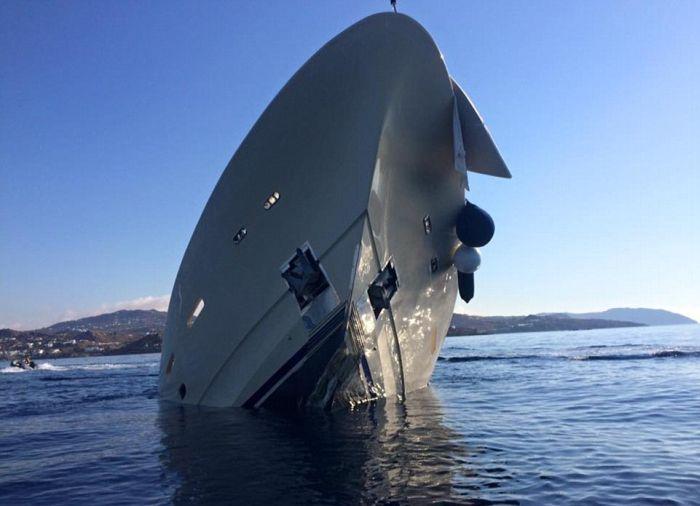 У берегов Греции затонула роскошная яхта стоимостью 6 миллионов долларов (9 фото