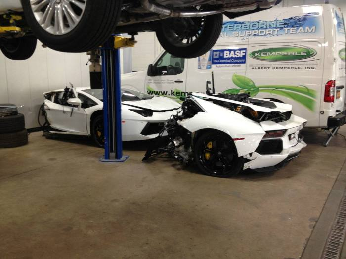Lamborghini Aventador в виде двух половинок за 125 000 долларов (5 фото)