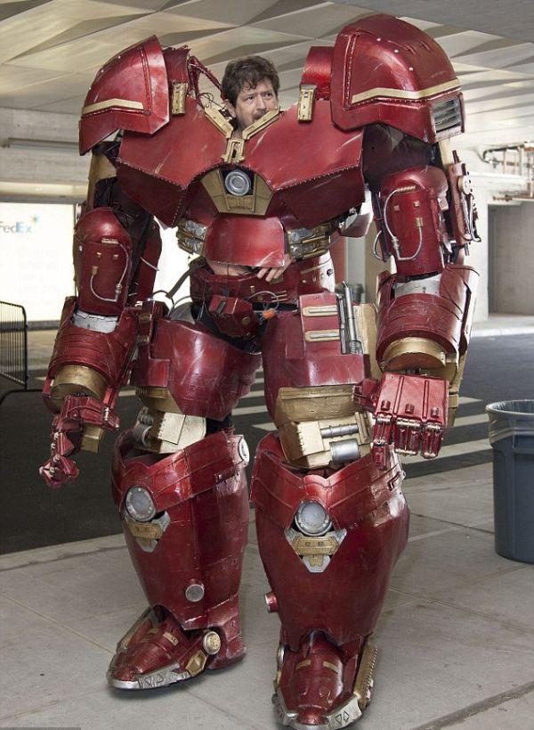 Косплеер создал костюм Халкбастера в натуральную величину (6 фото)