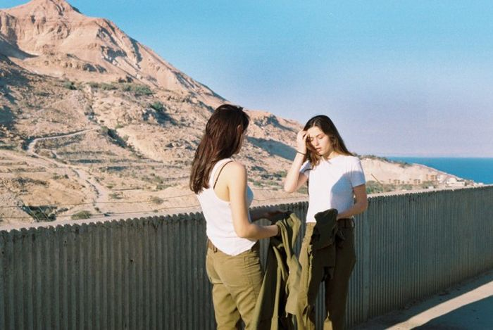 Девушки-военнослужащие армии Израиля в свободное время (14 фото)