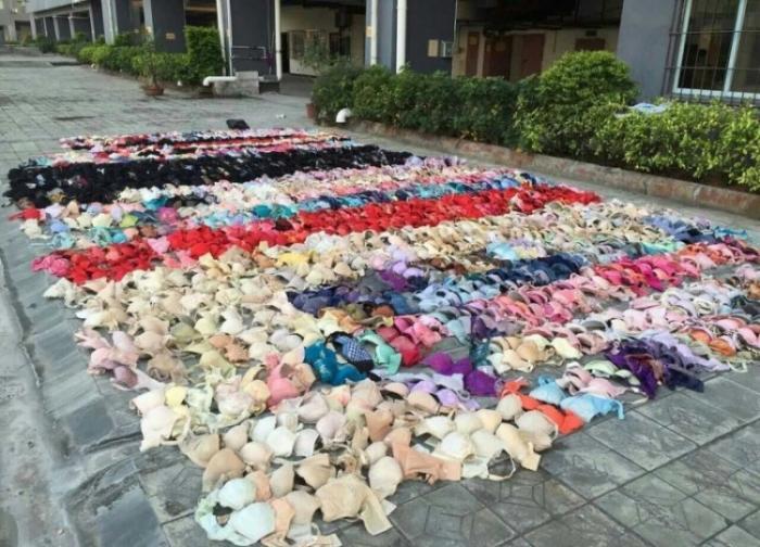 Потолок не выдержал двух тысяч украденных трусиков и лифчиков (6 фото)