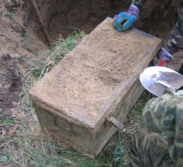 Схрон времен Великой Отечественной войны (14 фото)