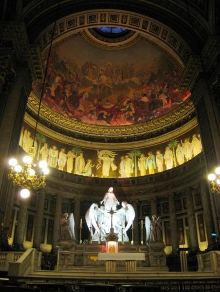 Необычная церковь Мадлен в Париже (13 фото)