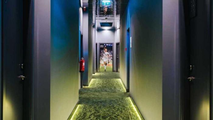 Отель в футбольном стиле, который открыл Криштиану Роналду (12 фото)