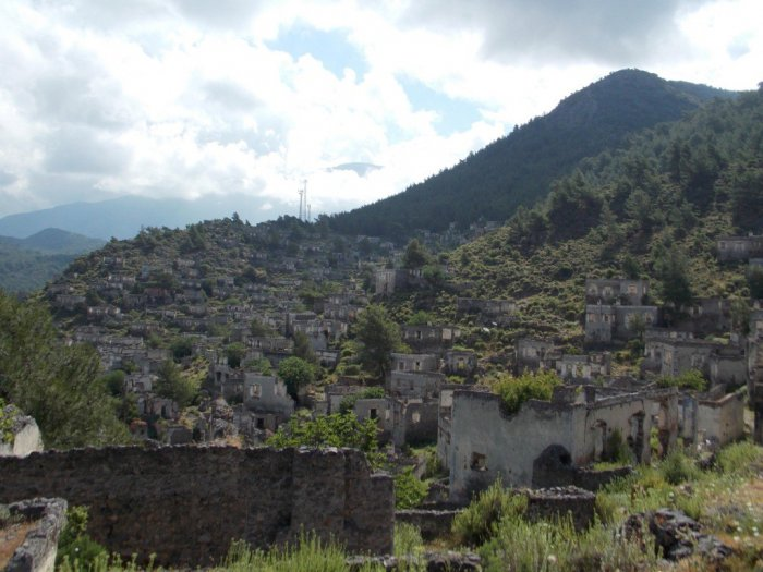 Город-призрак в Турции (12 фото)