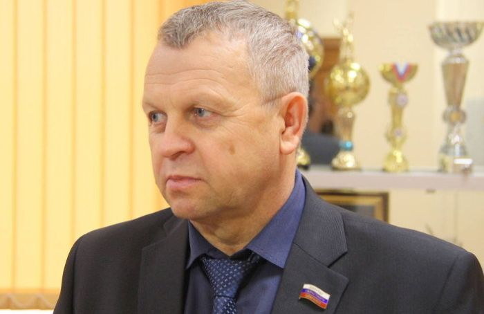 Назван самый богатый депутат новой Госдумы (2 фото)