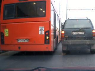 Автобус решил срезать