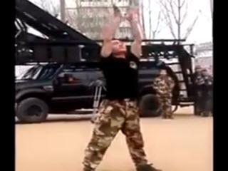 Китайский спецназовец