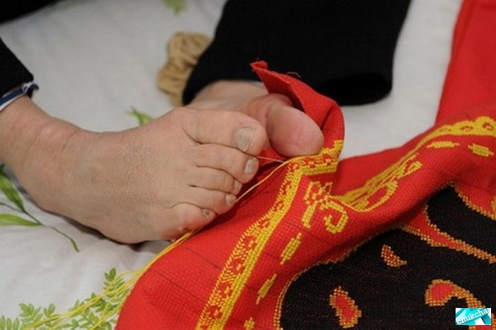 Золотые ноги (5 фото)