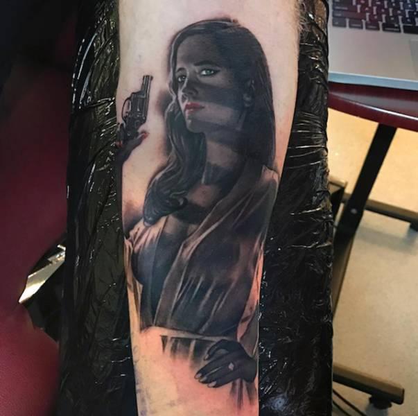 Реалистичные татуировки с изображением известных героев (26 фото)