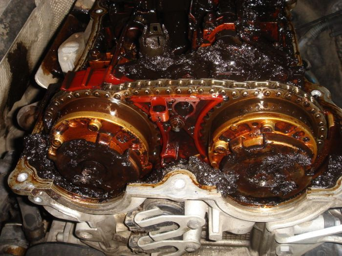 Двигатель BMW (3 фото)