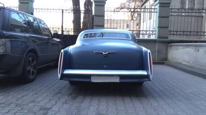 """Уникальная американская """"Волга"""" купе из Одессы (18 фото)"""