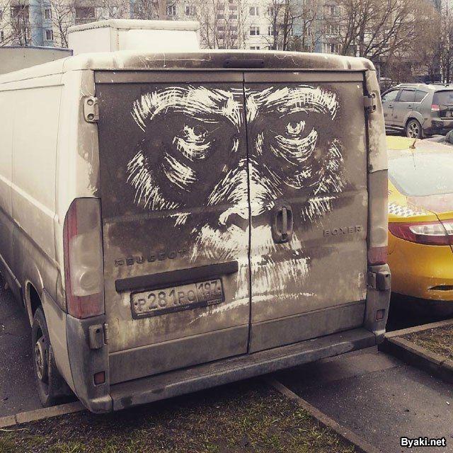 Рисунки на грязных авто от московского художника (7 фото)