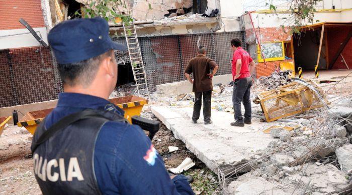 В Парагвае банда из 50 человек украла 40 миллионов долларов (16 фото)