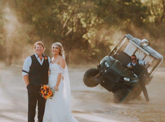 Неожиданность во время свадебной фотосессии (3 фото)